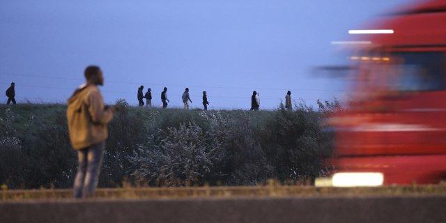 Calais-le-lucratif-business-des-passeurs-de-migrants