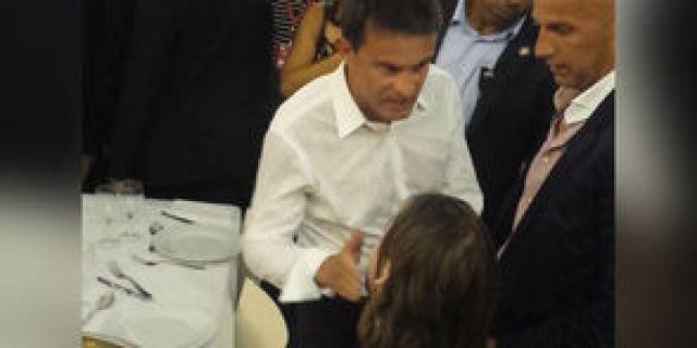 Exclu-video-Manuel-Valls-la-verite-sur-sa-petite-baffe-a-un-jeune-militant_exact294x221_l.jpeg
