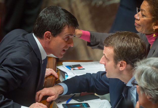 French Prime Minister, Manuel Valls and French Economy minister, Emmanuel Macron during the weekly session of questions to the government at the National Assembly in Paris. Paris, FRANCE-10/02/2016/WITT_choixquest025/Credit:WITT/SIPA/1602101819
